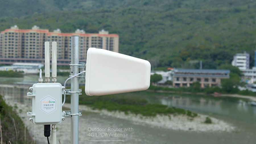 Outdoor 4G Router with LPDA 4G Directional Antenna